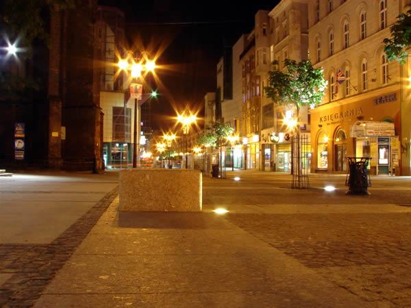 Zdjęcie - Ulica Świdnicka nocą
