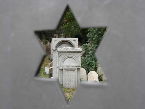 Żydowski cmentarz