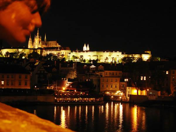 Widok nocą na Hradczany