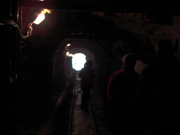 Zdjęcie - Wyjście z kopalni złota
