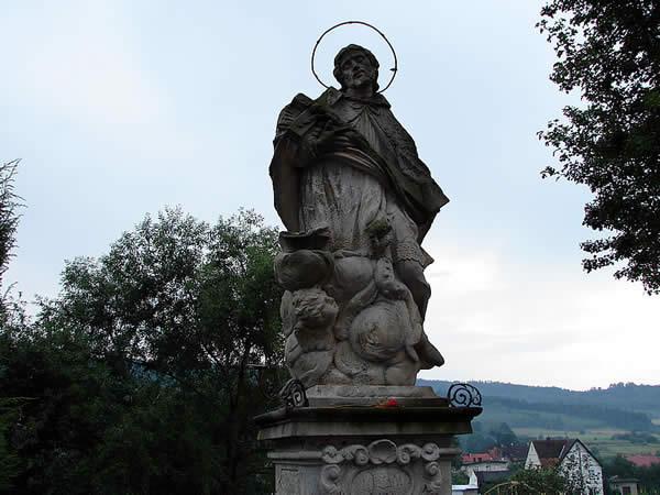 Zdjęcie - Święty