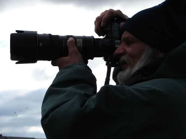 Zdjęcie - Ireneusz Dziugieł z lufą
