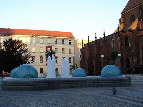 Zdjęcie - Piłkarska fontanna