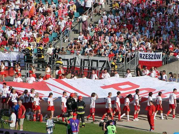 Zdjęcie - Flaga kibiców