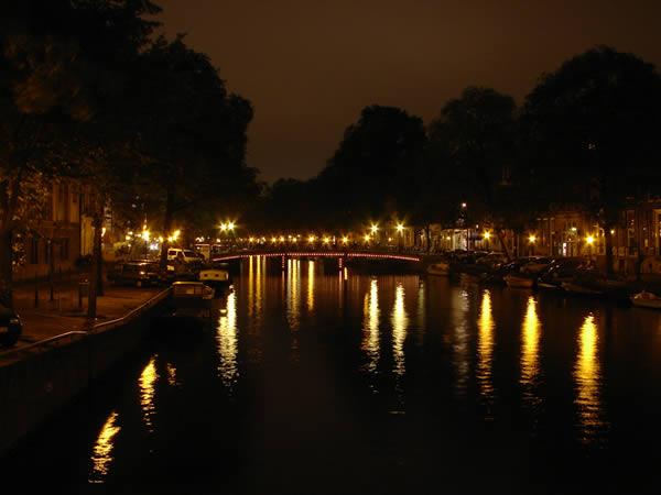 Kawałek Amsterdamu nocą