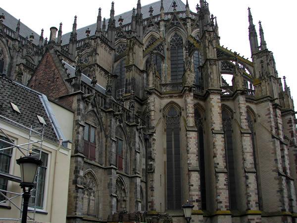 Katedra z zewnątrz