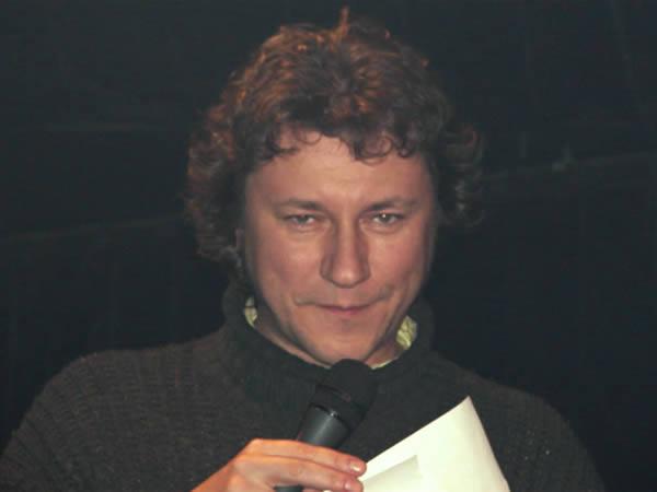 Wiedemann czyta wynik konkursu