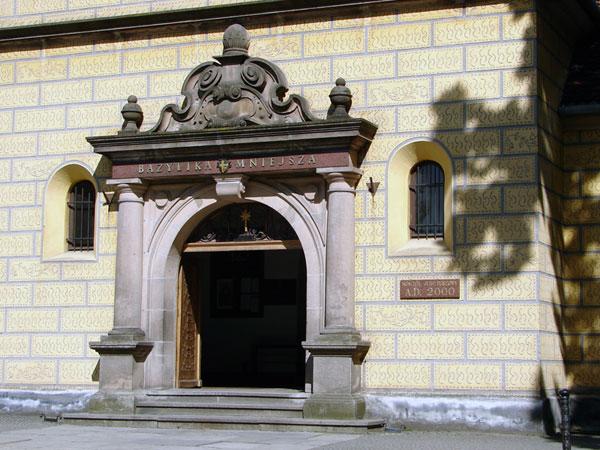 Wejście do Bazyliki mniejszej
