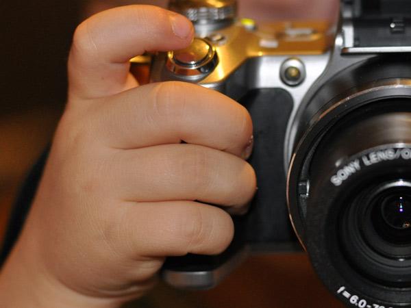 Zdjęcie - Aparat w małych dłoniach