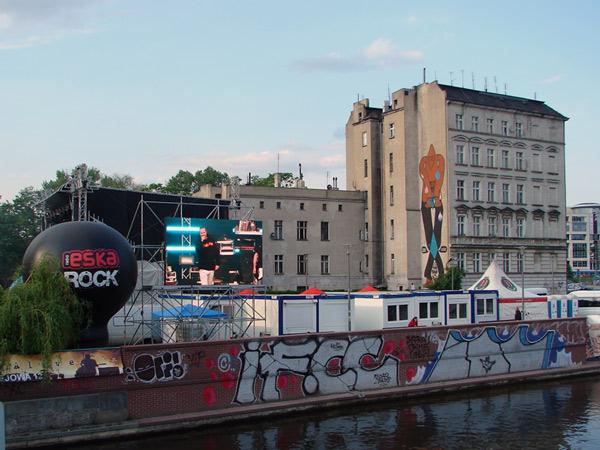 Patrząc z boku, dodano: 2011-5-2