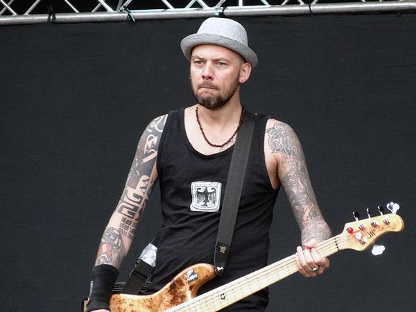 Adrian Kulik - gitara basowa
