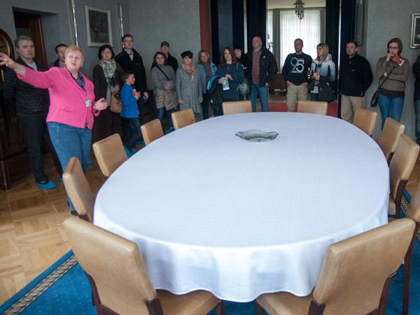 Zdjęcie - Okrągły stół