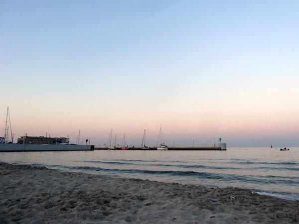 Zdjęcie - Wieczorem na plaży
