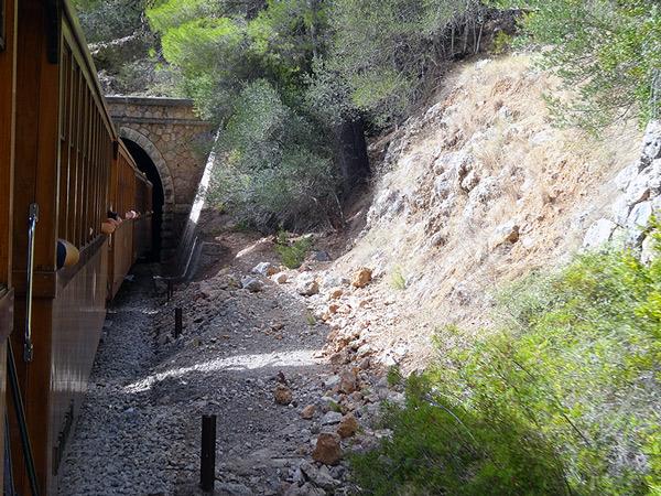 Wjazd do tunelu