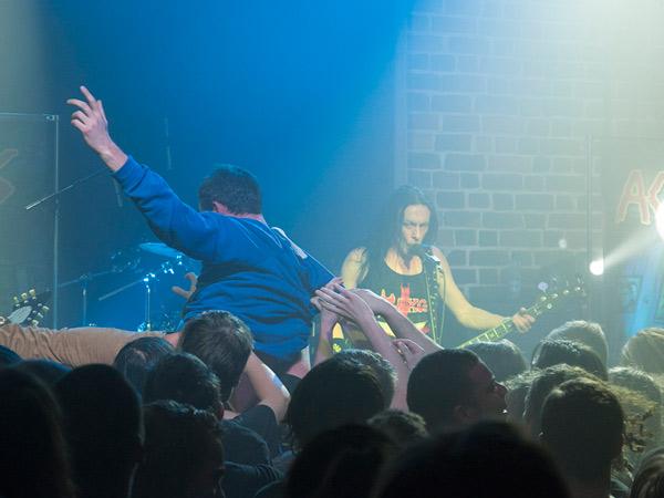 Zdjęcie - Titus i ktoś z tłumu