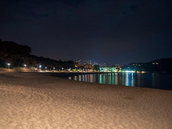 Zdjęcie - Plaża nocą