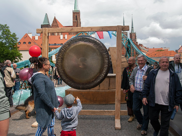Blacha, czyli gong?