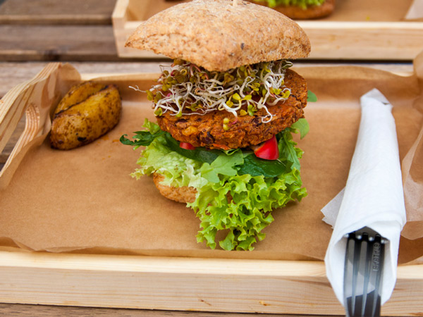 Vege-burger-lunch